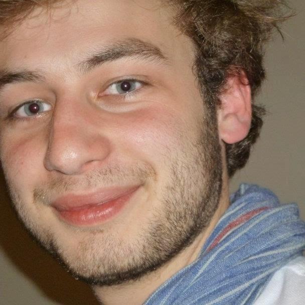 Hugues Ligot, développeur de projets #Moli. www.molibaby.be   www.lipsti.be